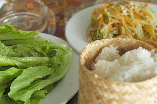 5-mon-an-ngon-kho-cuong-cua-am-thuc-lao-ivivu-3