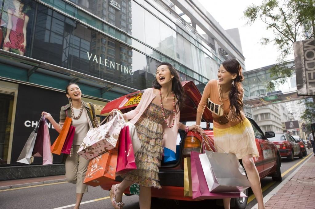 NguyenBinhVTV-154723024718-shopping